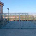 Puerta Abatible en dos hojas galvanizada cierre candado