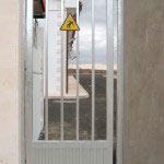 Puerta Abatible peatonal con cerradura