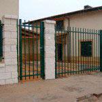 Puertas abatibles en una hoja con cerradura